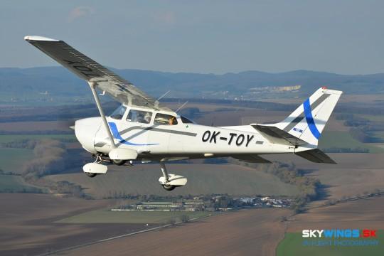 C-172P OK-TOY